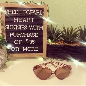 🎁 FREE GIFT w/ PURCHASE OF $35 OR MORE!